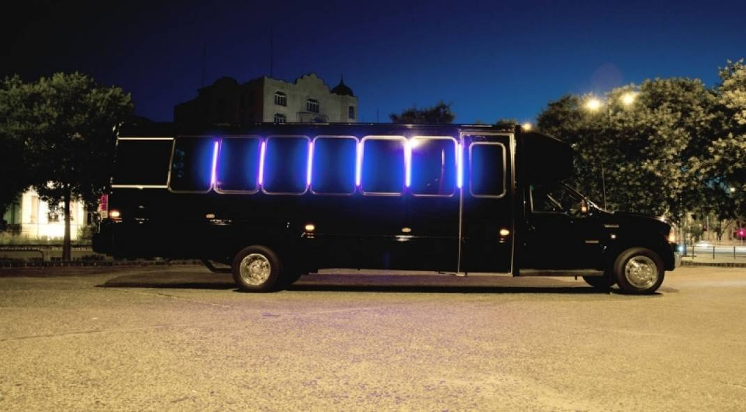 Limo partybus